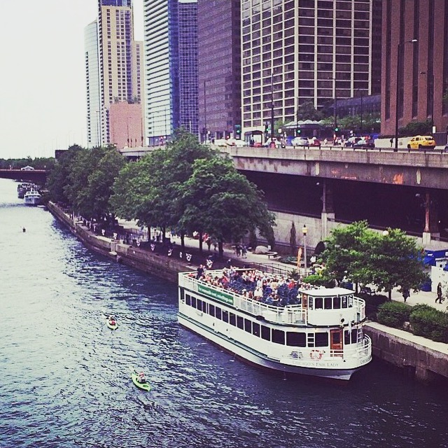 Michigan Avenue Boat Cruise